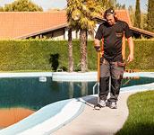 buscar fugas de agua en piscinas y jardines collado villalba fontanera ivn mesa